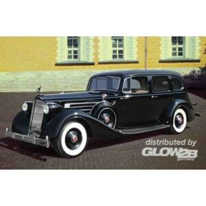 ICM Packard Twelve 1936 WWII Soviet Leader's Car with Passengers 1:35 (35535)