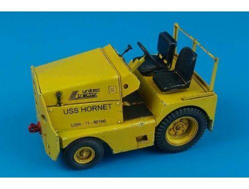 Aerobonus United Tractor GC-340/SM340 US Army/Navy 1:32 (320.035)