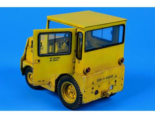 Aerobonus United Tractor GC340/SM-340 US Navy/DLA 1:32 (320.045)