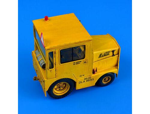 Aerobonus UNITED Tractor GC-340-4 A9 Cab-LPG 1:32 (320.050)