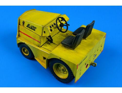 Aerobonus UNITED TRACTOR GC-340/SM340 tow tractor 1:32 (320.060)