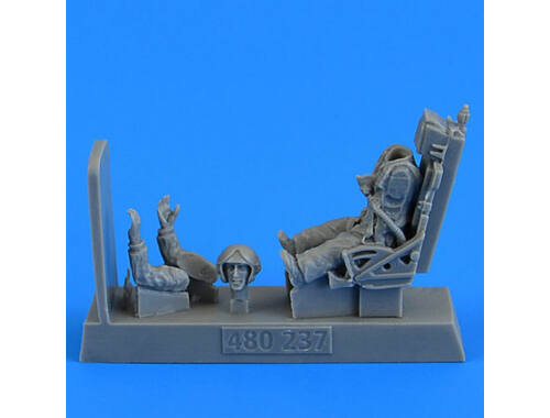 Aerobonus Soviet Fighter Pilot with ejection seat for MiG-19 Farmer for Trumpeter/Eduard 1:48 (480.237)
