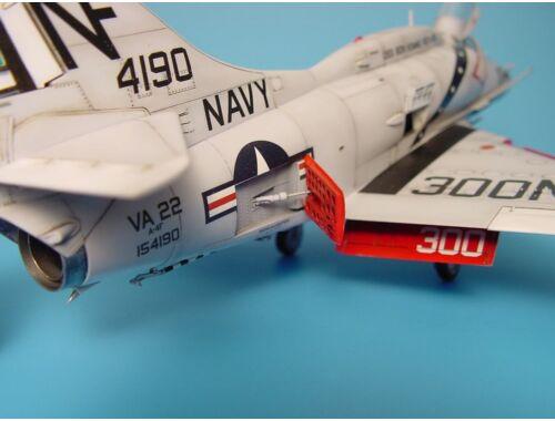 Aires A-4 Skyhawk Bremsschilder (offen) für Hasegawa Bausatz 1:48 (4185)