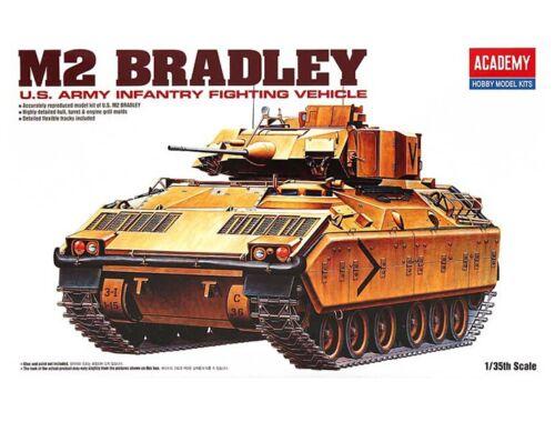Academy M2 Bradley 1:35 (13237)