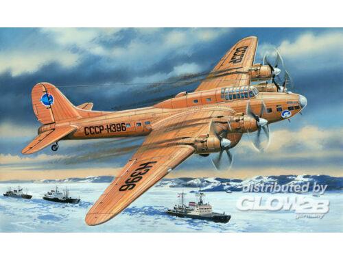 Amodel Pe-8 artic aircraft 1:72 (72155)