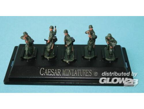Caesar WWII German Army with long coat (fertig bemalt) 1:72 (P805)