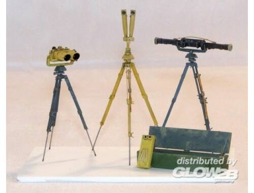 Plus Model German field optical equip 1:35 (388)