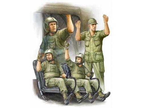 Trumpeter US Army CH-47 Crew in Vietnam 1:35 (417)