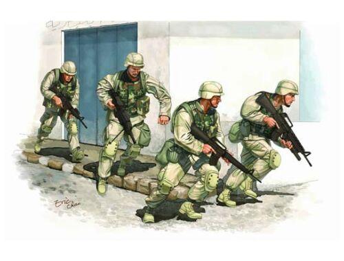 Trumpeter U.S. Army in Iraq (2005) 1:35 (00418)