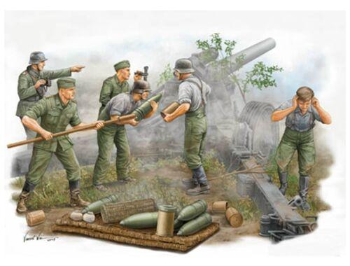 Trumpeter German Field Howitzer Gun Crew on firing 1:35 (00425)