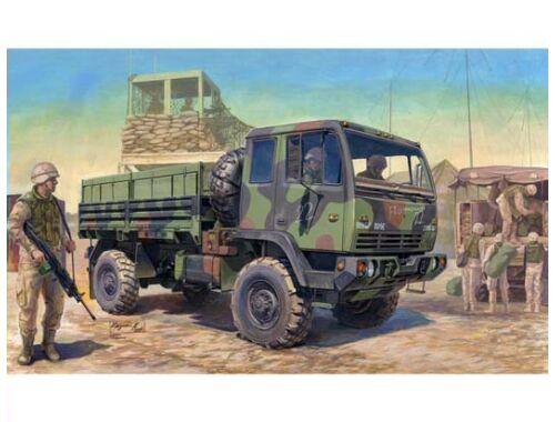 Trumpeter M1078 LMTV Standard Cargo Truck 1:35 (01004)