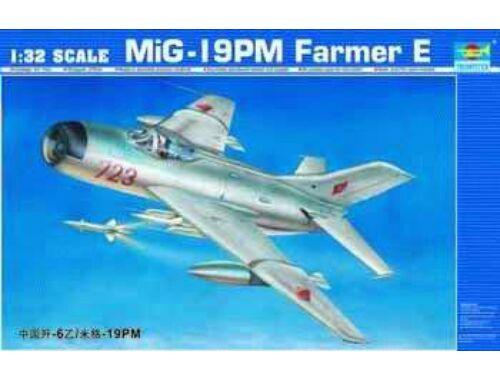 Trumpeter MiG-19 PM Farmer E/Shenyang F-6B 1:32 (02209)