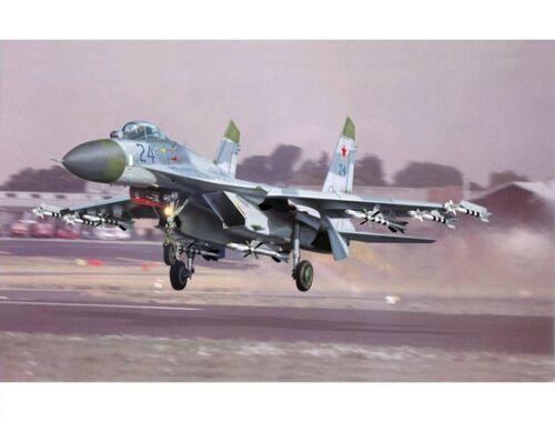 Trumpeter Sukhoi Su-27 Flanker B 1:32 (2224)