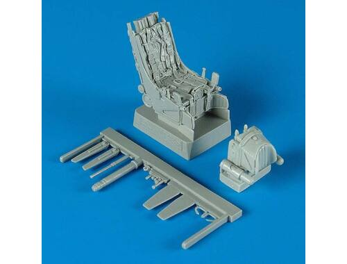 Quickboost Su-27UB ejection seats with safety belts 1:32 (32043)