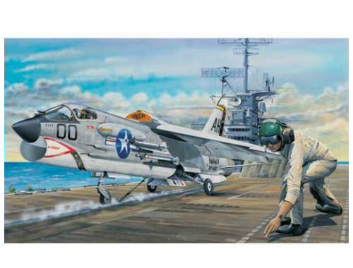 Trumpeter F-8E Crusader 1:32 (02272)