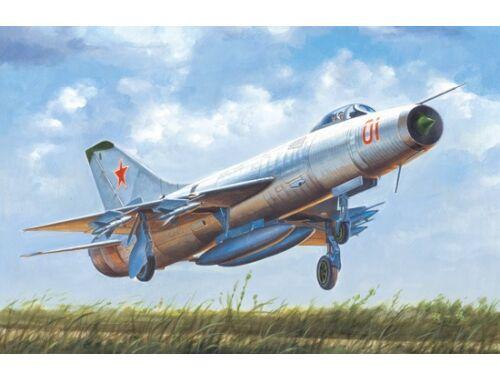 Trumpeter Soviet Su-9 Fishpot 1:48 (02896)