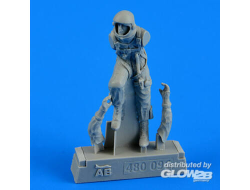 Aerobonus U.S.A.F. fighter pilot-pressure suit1960 1:48 (480096)