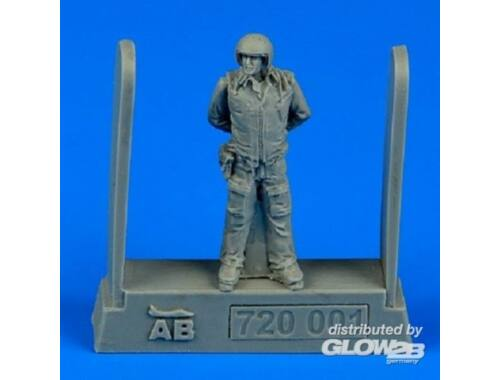 Aerobonus Soviet air force fighter pilot 1:72 (720001)
