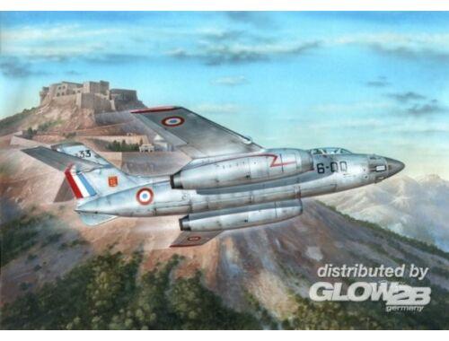 """Azur Vautour IIN """"Armee""""de l'Air a. W.Fighter 1:72 (A100)"""