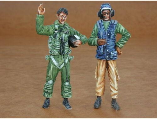 CMK US Navy modern pilot and mechanic (2 fig.) 1:32 (F32092)