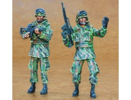 CMK Bundeswehr Infantry (2 fig.) 1:35 (F35162)