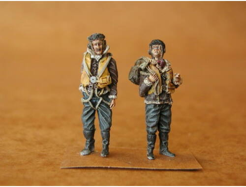 CMK RAF Pilots before Flight (2 fig.) 1:48 (F48058)