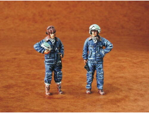 CMK Warsaw Pact pilots (2 fig.) 1:48 (F48086)