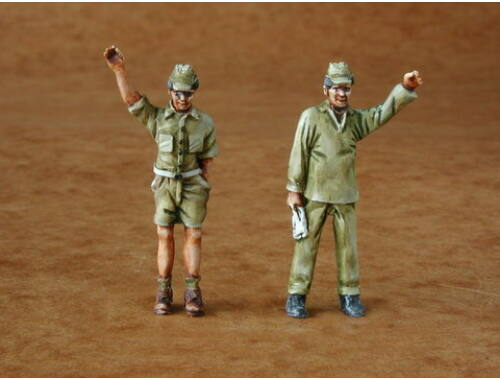 CMK Japanese Army mechanics (2 fig.) 1:48 (F48088)