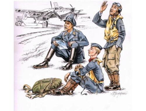 CMK German pilots at rest WW II (3 fig.) 1:72 (F72112)