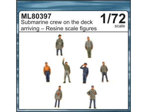 CMK Submarine crew on the deck arriving to the po 1:72 (ML80397)