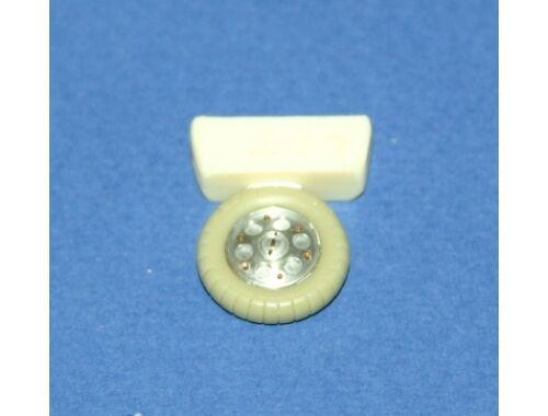 CMK FW 190A/D Wheels with circular holes 2pcs 1:48 (Q48005)