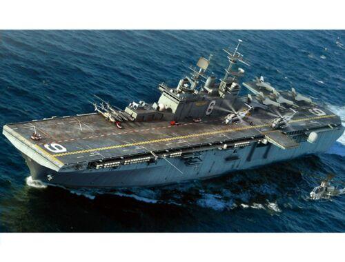 Hobby Boss USS Bonhomme Richard LHD-6 1:700 (83407)