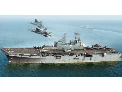 Hobby Boss USS Iwo Jima LHD-7 1:700 (83408)