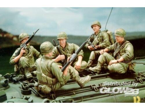Hobby Fan U.S. Marine Corps LVTP5A1-5 Figures only 1:35 (HF515)