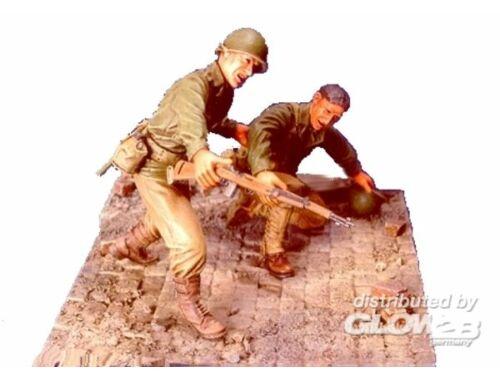 Hobby Fan WWII U.S. Infantry(1)- 2 Figures w/Base 1:35 (HF526)