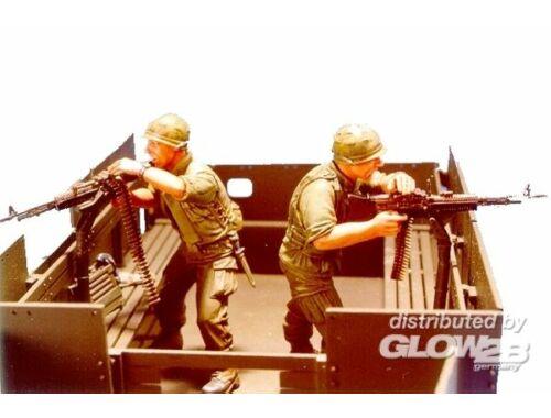 Hobby Fan Gun truck Crew (1)- 2 Figures 1:35 (HF532)