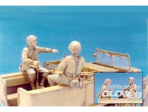 Hobby Fan Sd.Kfz.11 3T Eastern Front Crew (1)/2Fig 1:35 (HF537)