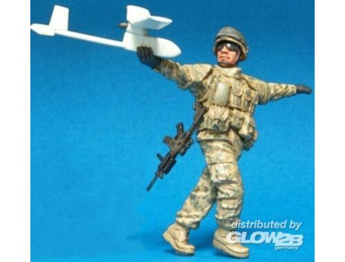 Hobby Fan U.S. Stryker Brigade OIF ACU Crew(4)1Fig 1:35 (HF589)