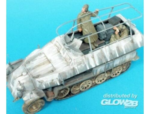 Hobby Fan Sd.Kfz. 251/3 Ausf.C Command. Veh./2 Fig 1:35 (HF593)