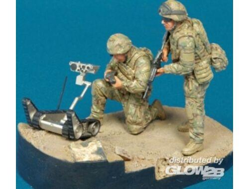 "Hobby Fan Ranger Reconn. ""OIF"" ISAF- 2Fig w/Robot 1:35 (HF594)"