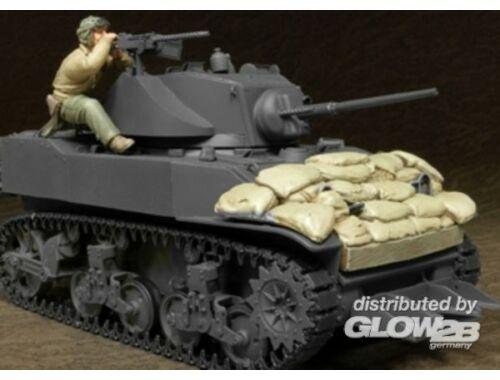 Hobby Fan U.S. M5A1 Tank Crew   Sandbags(II)-1 Fig 1:35 (HF595)