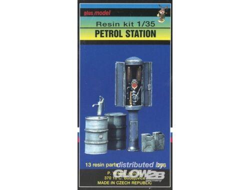 Plus Model Tankstelle 1:35 (056)