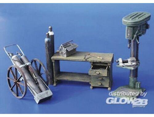 Plus Model Werkstatt Einrichtung 1:35 (094)