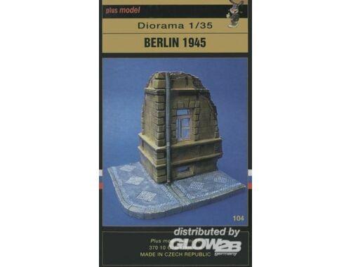 Plus Model Berlin 1945 Diorama 1:35 (104)