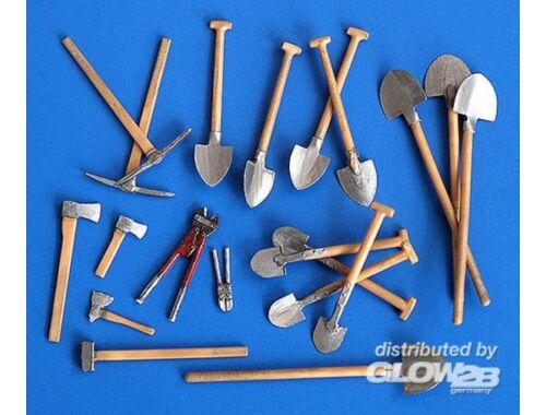 Plus Model Werkzeug 1:35 (192)
