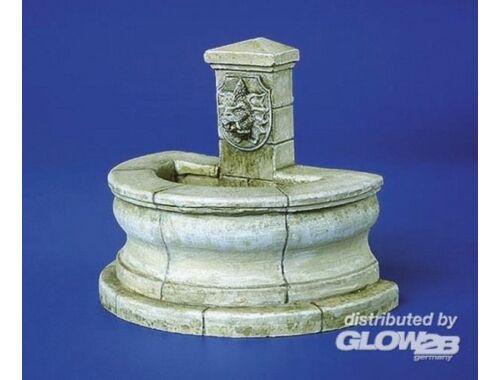 Plus Model Brunnen halbrund 1:35 (203)