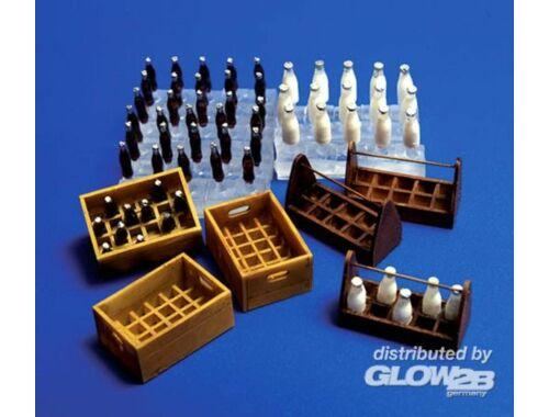 Plus Model Flaschen und Kästen Milch und Limonade 1:35 (221)