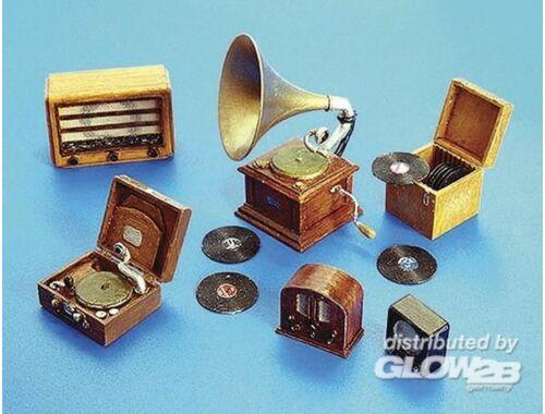 Plus Model Gramophone und Radios 1:35 (266)