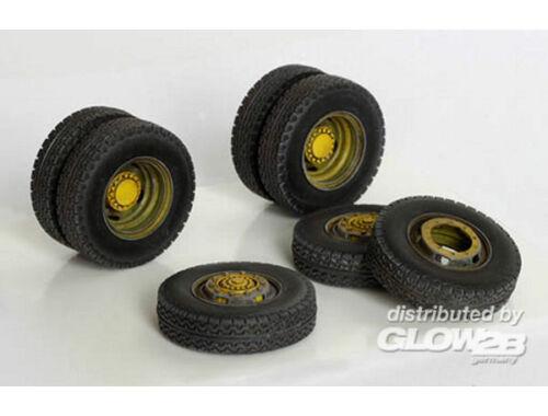 Plus Model Reifen für Mercedes L4500A 1:35 (343)