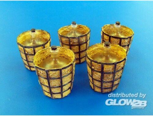 Plus Model Acid containers 1:35 (430)